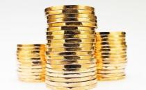 在季节性缓慢期间囤积现金和库存以便在需求再次上升时获得收益