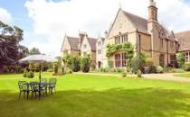 英国房地产繁荣但专家预测政府刺激措施的后果