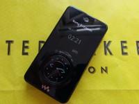 未发布的索尼爱立信W707原型具有独特的按钮显示表面